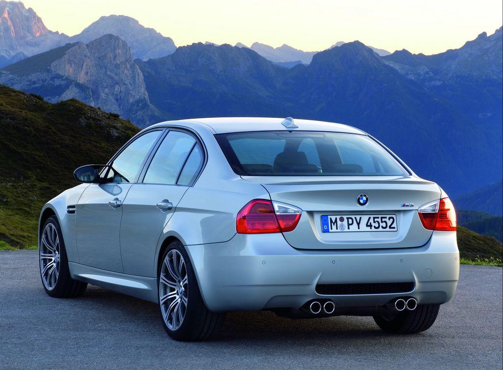 BMW M3 Sedan Фото BMW.